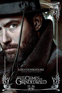 """""""Sob Vigilância"""" No trailer vimos que Dumbledore não pode fazer nada em relação a Grindelwald, quem deve fazê-lo é Newt. Será que a vigilância justifica esse ato?"""